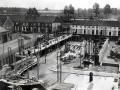 Op 3 mei 1926 begon men met de bouw van de kerk. 'Wederom werd een groot gedeelte der fondamenten door de boerenjongens van Sint-Niklaas gegraven'.